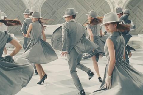 クラシエホールディングス / ナイーブボディ「ダンスショータイム・リラックス」篇
